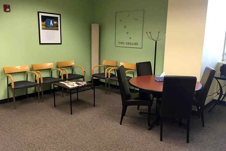 Inside the Two Dreams Chicago outpatient addiction treatment office